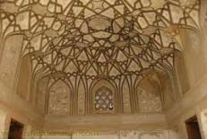 زبان مشترک معماری و نقاشی در خانه های اشرافی دوره ی قاجار